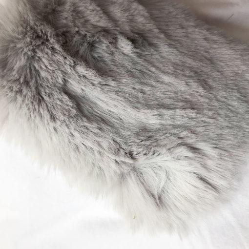 Couverture Gris pour chien en fausse fourrure